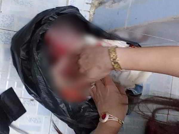 Người mẹ siết cổ con mới sinh rồi bỏ vào thùng rác công ty