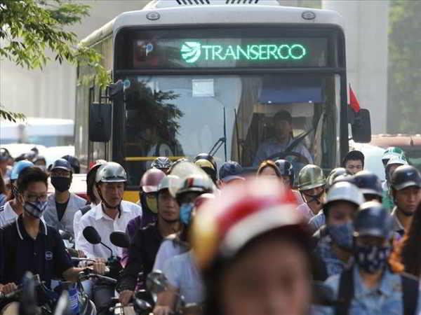 Tranh cãi việc cấm xe máy trên 2 tuyến đường ở Hà Nội