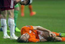 Những chấn thương cổ chân khi đá bóng thường gặp và cách xử lý