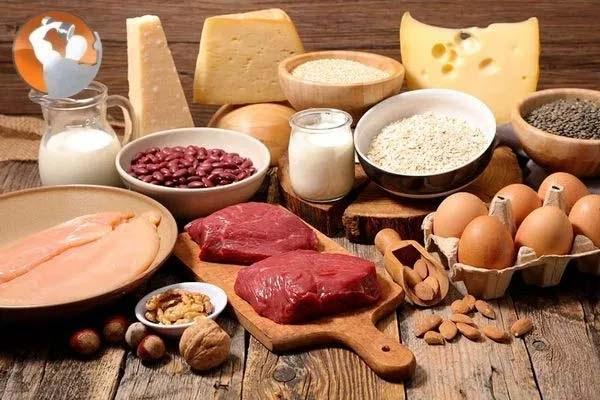 Protein là dưỡng chất cần thiết hỗ trợ giảm cân