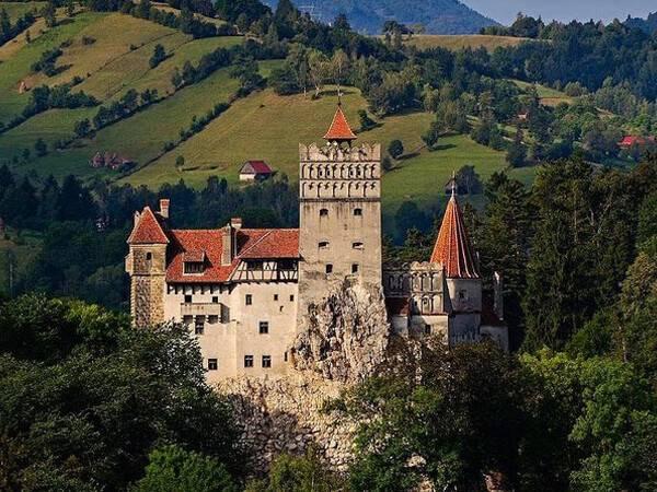 Nằm mơ thấy lâu đài chơi xổ số con gì dễ trúng